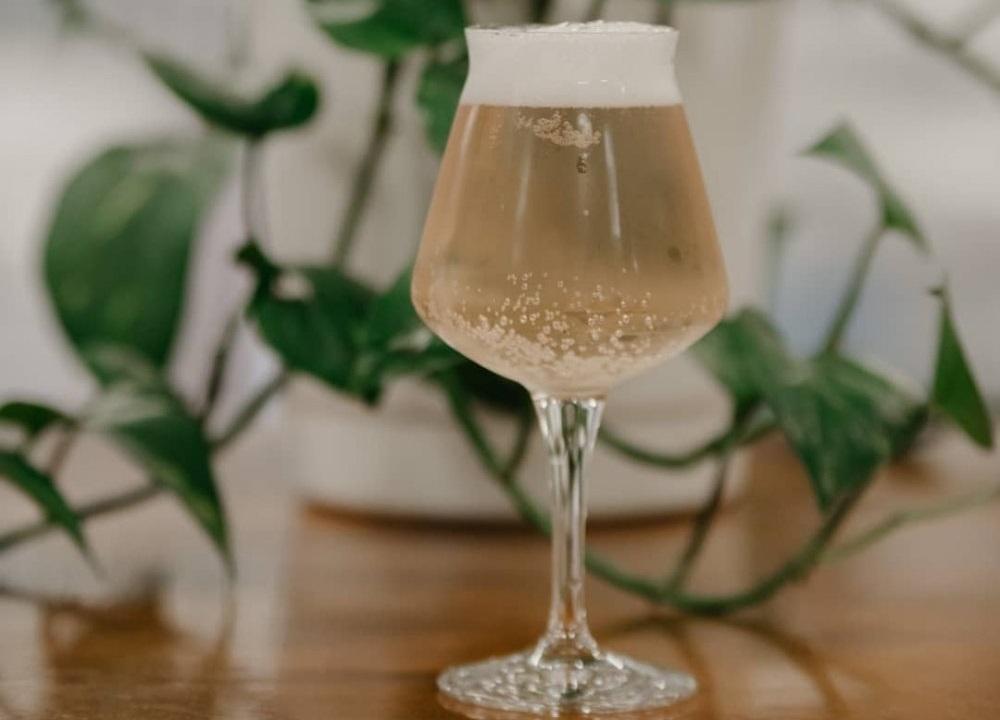 Американские пивовары выпустили минеральную воду, выдержанную в винных бочках